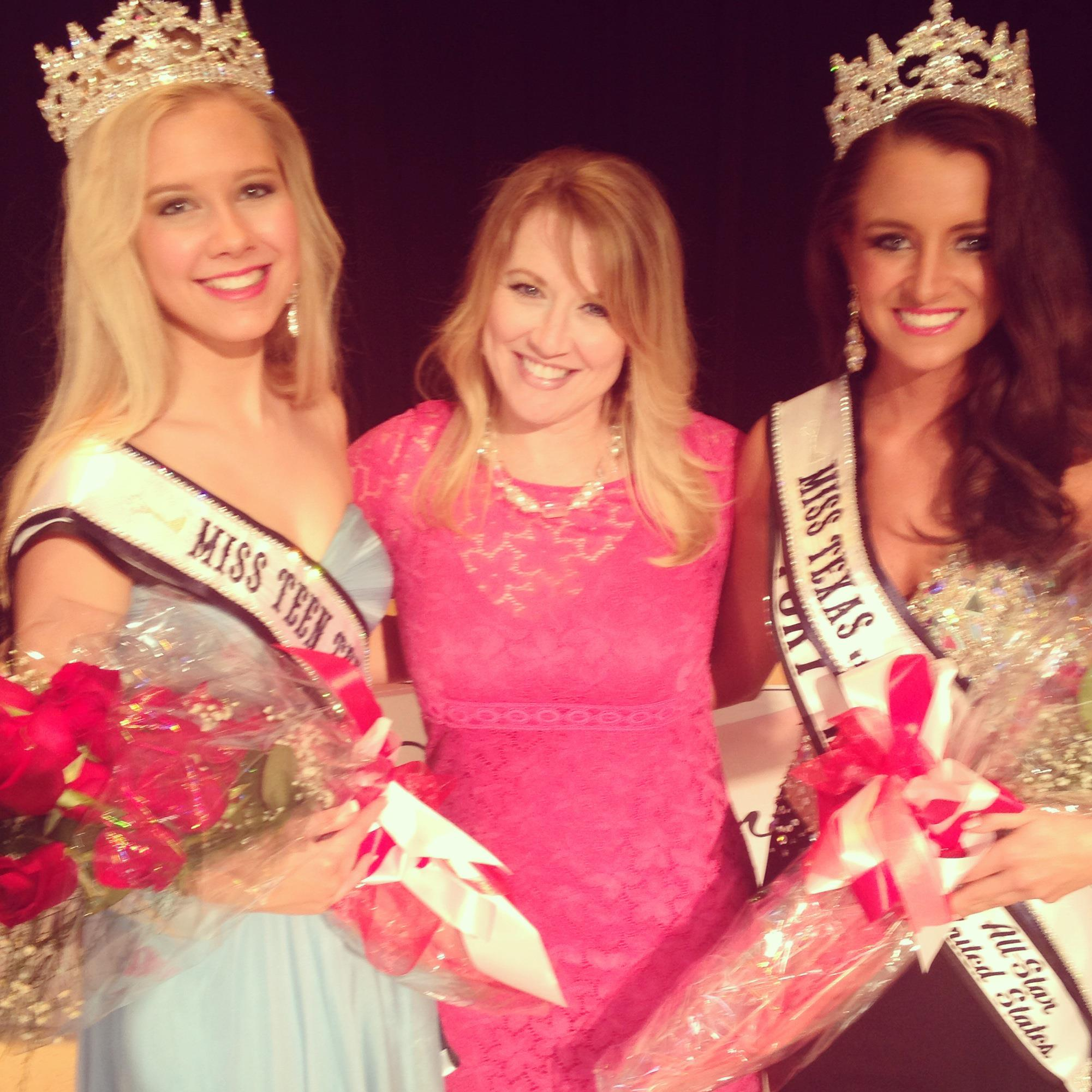 Kelly with Malori Carlow, Miss Teen Texas All-Star United States and Molly Woehl, Miss Texas All-Star United States